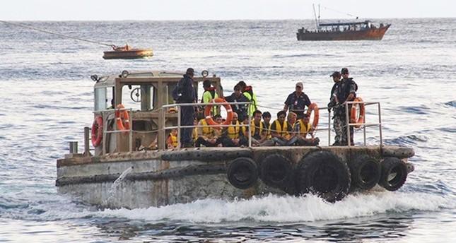 A boat carrying asylum seekers arrives at Christmas Island, Australia, 28 June 2012. (EPA Photo)