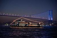 Night cruises on Bosporus lure Arab tourists to Istanbul