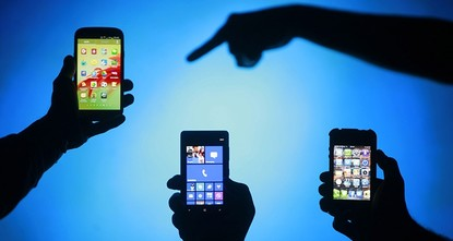 pSmartphones are revolutionizing the diagnosis and treatment of illnesses, thanks to add-ons and apps that make their ubiquitous small screens into medical devices, researchers say./p  pIf you...