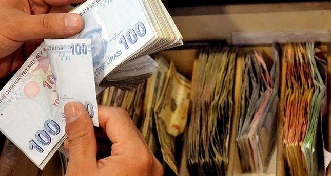 تراجع الدولار أمام الليرة التركية 3% عقب تدخلات من قبل البنك المركزي