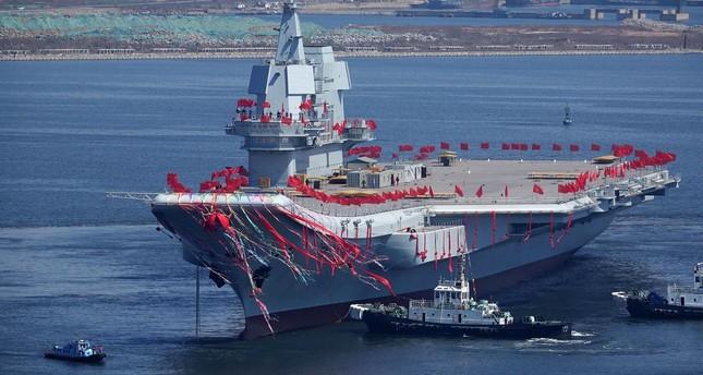 أول حاملة طائرات صينية الصنع تبدأ تجاربها البحرية