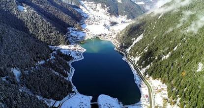 Покрытый снегом турецкий Узунгель очаровал посетителей