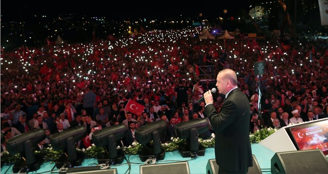 President Recep Tayyip Erdoğan delivers a speech at a ceremony on the July 15 Martyrs Bridge in Istanbul on Sunday.