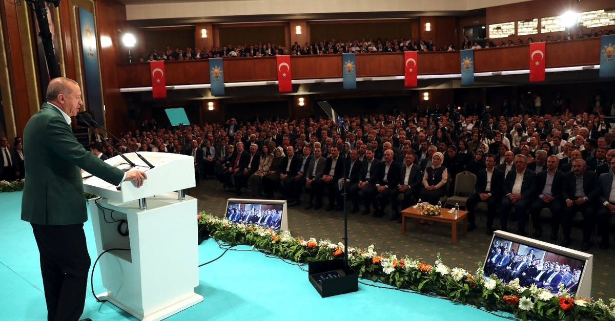 President and AK Party Chairman Recep Tayyip Erdou011fan addresses party members during the closing speech at a party camp in Ku0131zu0131lcahamam, April 28, 2019.
