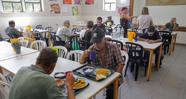 مطعم يقدم الوجبات المجانية للفقراء في تل أبيب الفرنسية