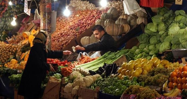 Economy Minister: Weight of food prices on inflation basket to be below 20 pct