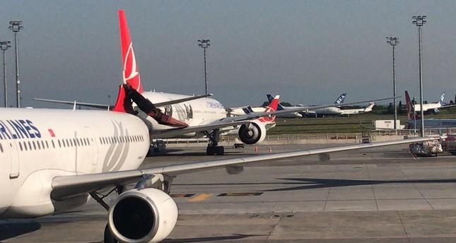 تضرر طائرة تركية إثر صدمها من قبل طائرة تابعة لشركة آسيانا بمطار أتاتورك