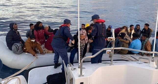 السلطات التركية تنقذ 67 طالب لجوء قبالة سواحل إزمير