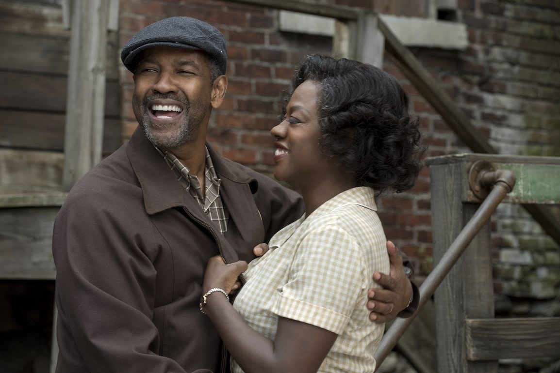 Denzel Washington plays Troy Maxson and Viola Davis plays Rose Maxson in Fences from Paramount Pictures. (SABAH Photo)