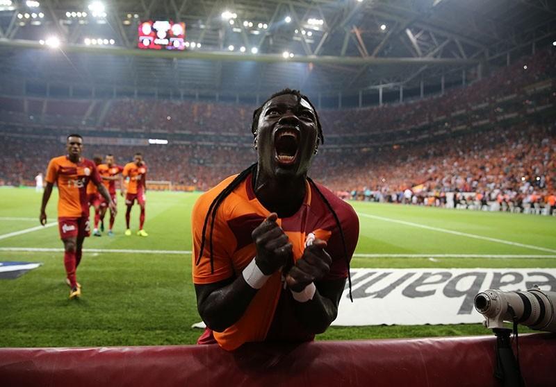 Galatasaray striker Bafetimbi Gomis celebrates his goal against Kasu0131mpau015fa in the Turkish Super League match at the Tu00fcrk Telekom Stadium on Sept. 16, 2017. (Sabah Photo)