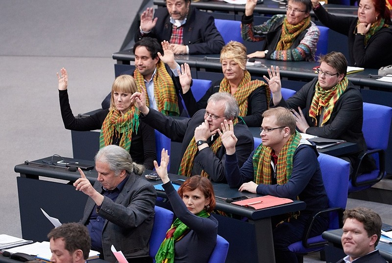 Members of the Left (Die Linke) party wear scarfs as a political gesture during a session of the German parliament 'Bundestag' in Berlin, Germany, 01 February 2018. (EPA Photo)