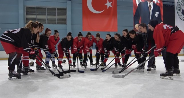 Women Brace For Tough Challenge In Ice Hockey Championship Daily Sabah