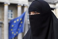 Algerian businessman pledges to pay veil fines in Denmark