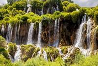 تركيا.. شلالات كيرلويك تستقطب السياح في جميع الفصول
