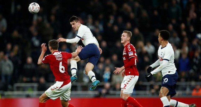 Tottenham Hotspur's Giovani Lo Celso in action with Middlesbrough's Dael Fry, London, Jan. 14, 2020 Reuters Photo