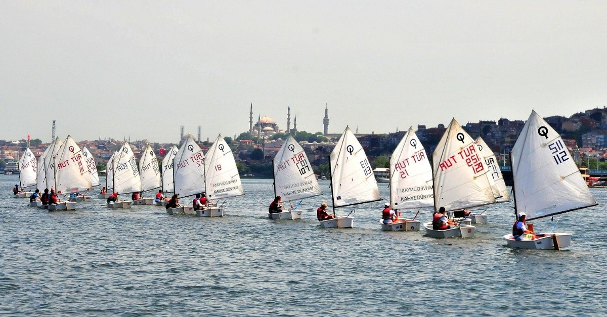 Students participate in practical training in the Golden Horn.