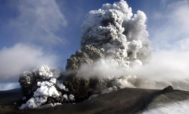 This is a Saturday, April 17, 2010. file photo of  the volcano in southern Iceland's Eyjafjallajokull glacier sends ash into the air. (AP Photo)