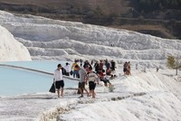 Travertine paradise Pamukkale welcomes 2.3M visitors in 10 months
