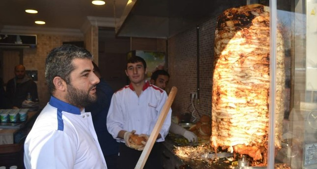 Minister dismisses claims doner kebap shop bleach chicken
