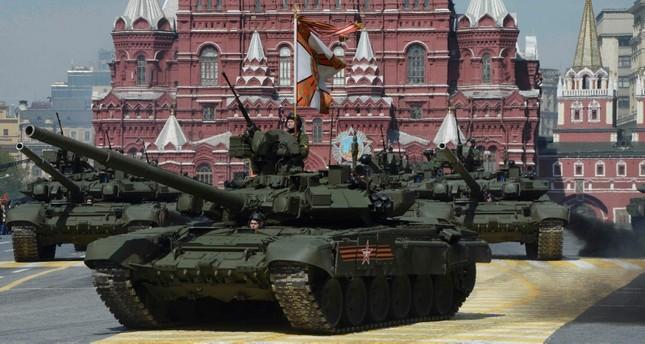 الجيش الروسي في الساحة الحمراء (من الأرشيف)