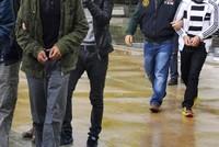 Ein Gericht in der südöstlichen Provinz Adana verurteilte am Mittwoch drei Personen in Abwesenheit zu Haftstrafen von mehr als sechs Jahren aufgrund ihren Verbindungen zur Terrororganisation...