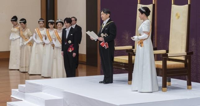 تشاوش أوغلو يهنئ إمبراطور اليابان الجديد ناروهيتو لاعتلائه العرش