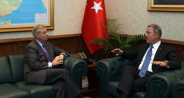 وزير الدفاع وزير الدفاع التركي يستقبل السيناتور الأمريكي غراهام في أنقرة