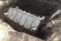 Police searching stolen vehicle finds 2nd century tomb in Bursa