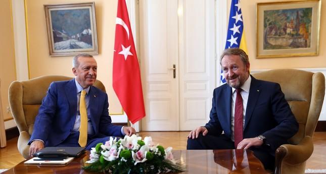 أردوغان يلتقي عزت بيغوفيتش في سراييفو