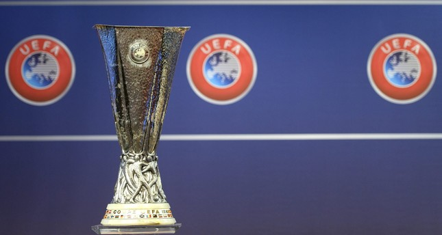 The Europa League trophy is pictured during the draw of the play-offs games of UEFA Europa League 2016/17 play-offs, at the UEFA Headquarters in Nyon, Switzerland, 05 August 2016. (EPA Photo)
