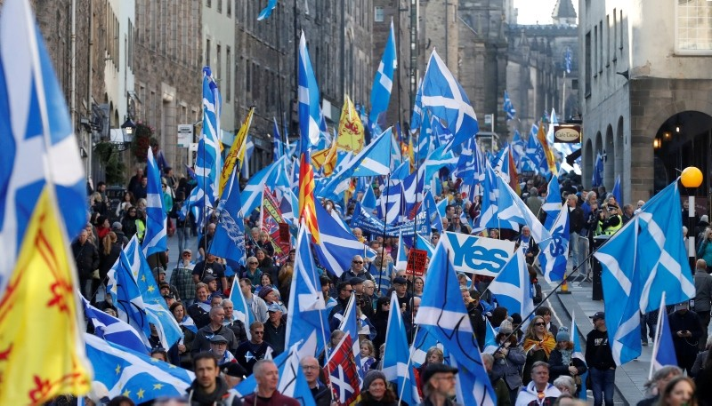 'All Under One Banner' pro-independence protesters take part in a march and rally in Edinburgh, Scotland October 6, 2018. (Reuters Photo)