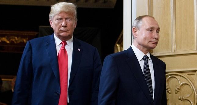 ترامب بوتين في خلال قمة جمعت بينهما عام 2019