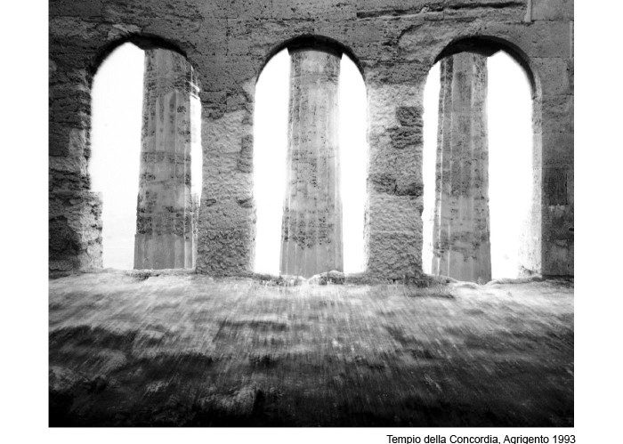 Agrigento, Italy (1992, 37x47cm) by Mimmo Jodice.