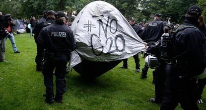 Polizeigewalt beim G20 wider den Bürgerrechten