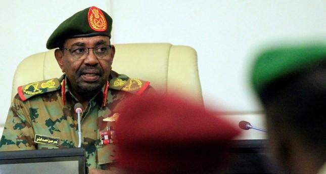 الرئيس السوداني يفوض صلاحياته الحزبية لنائبه