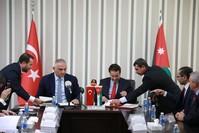 الوزيران يوقعان اتفاقية التبادل الثقافي (وزارة الثقافة الأردنية)