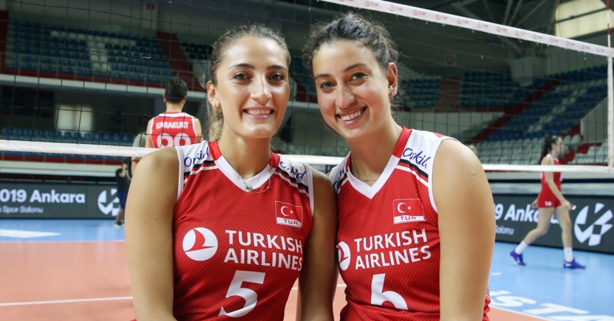 u015eeyma Ercan (left) and Ku00fcbra Akman (right) spoke to reporters in Istanbul, July 31, 2019.