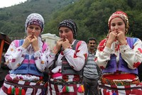 This file photo shows locals from Kuu015fku00f6y village in Giresun province, where whistling language is used for communication (AA Photo)