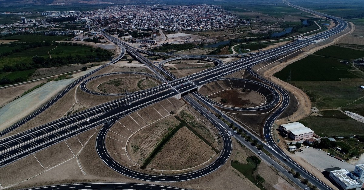 The newly-opened 426-kilometer Istanbul-u0130zmir highway is cutting the travel time between two of Turkeyu2019s largest cities by more than half, down from 8.5 hours to 3.5 hours.