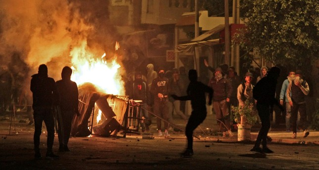 Hundreds arrested in week of Tunisia unrest as clashes continue