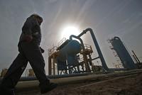 أسعار النفط تتجاوز 71 دولاراً للمرة الأولى منذ ثلاث سنوات
