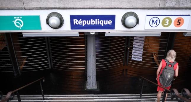 إغلاق أبواب محطة للمترو في باريس (من الأرشيف)