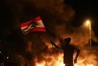 اللبنانيون يرفضون خطاب عون وسقوط قتيل برصاص عسكري