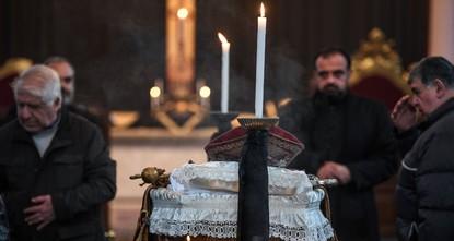 Armenians, dignitaries to bid farewell to late patriarch