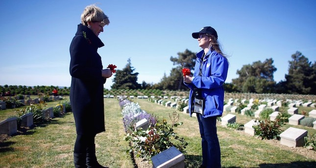 Australian Foreign Minister Julie Bishop (L) visits the Lone Pine Australian memorial in Gallipoli following a dawn ceremony marking the 102nd anniversary of the World War One battle of Gallipoli. Reuters Photo