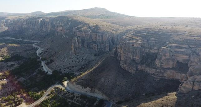 وادي لفنت.. أخدود الأناضول العظيم