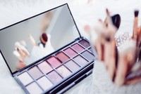 Cupid on duty: Makeup, wardrobe tips for Valentine's Day