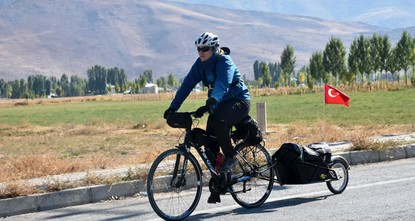 pThe assistant manager of Bitlis Public Library, Hakan Yücel cycles kilometers to hand out books to children./p  pWith a box fastened to the back of his bicycle, Yücel goes from village to...