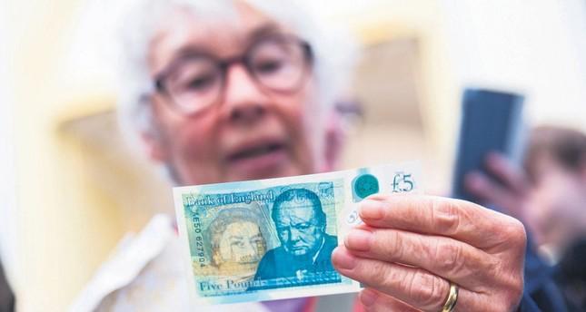 Veggie bank notes? UK sticks with animal-fat cash