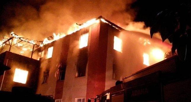 مصرع 12 شخصاً في حريق بسكن طلابي للفتيات بأضنه جنوبي تركيا